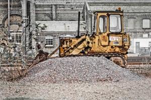 11371023676_7b397707eb_o rusty bulldozer